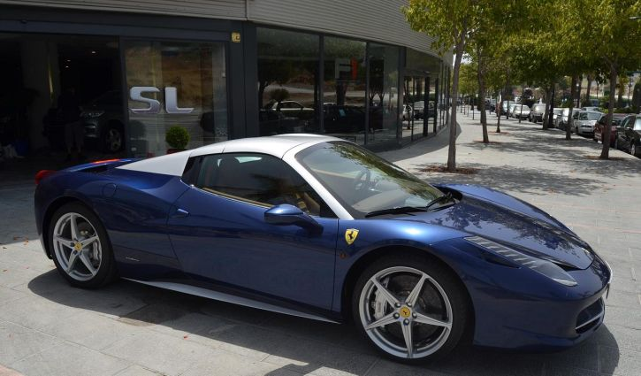 FERRARI F458 BLUE EMOTION